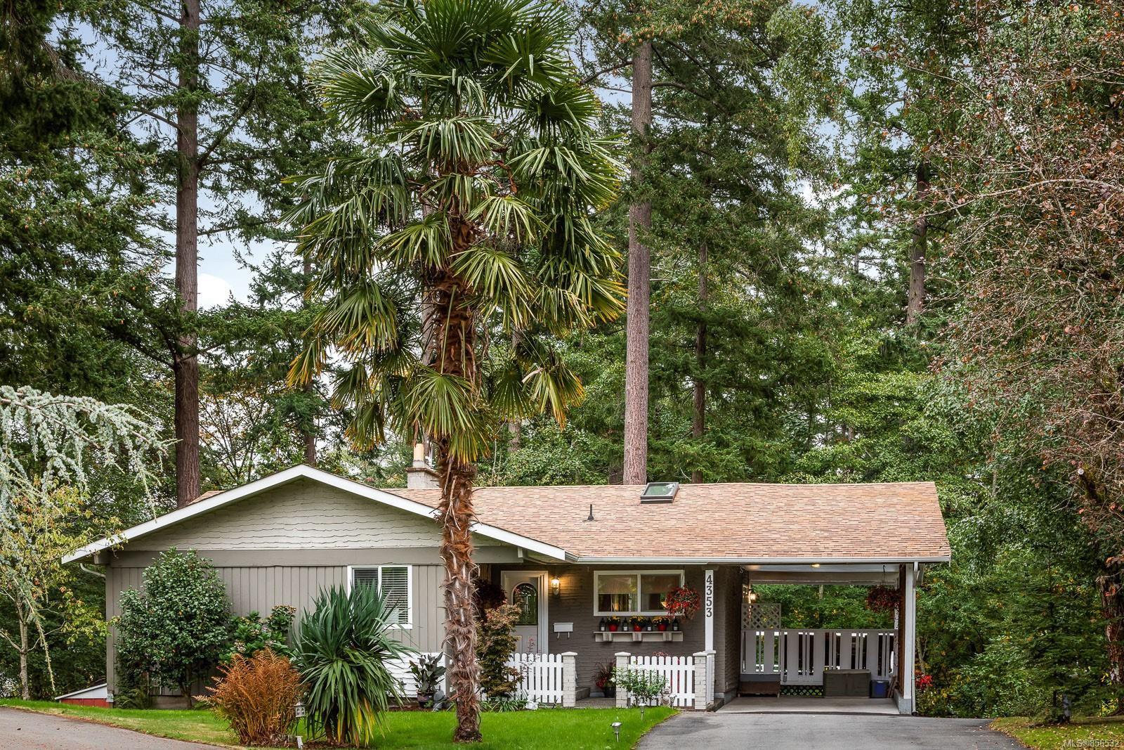 Main Photo: 4353 Northridge Cres in : SW Northridge House for sale (Saanich West)  : MLS®# 856532