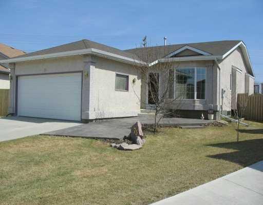 Main Photo: 75 FIRBRIDGE Crescent in WINNIPEG: Fort Garry / Whyte Ridge / St Norbert Single Family Detached for sale (South Winnipeg)  : MLS®# 2706365