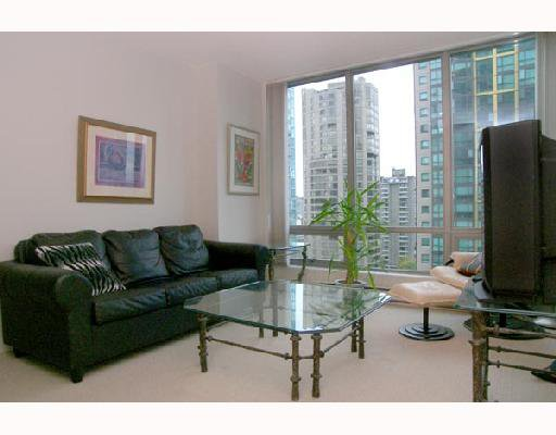 """Photo 3: Photos: 1201 1288 W GEORGIA Street in Vancouver: West End VW Condo for sale in """"RESIDENCES ON GEORGIA"""" (Vancouver West)  : MLS®# V662546"""