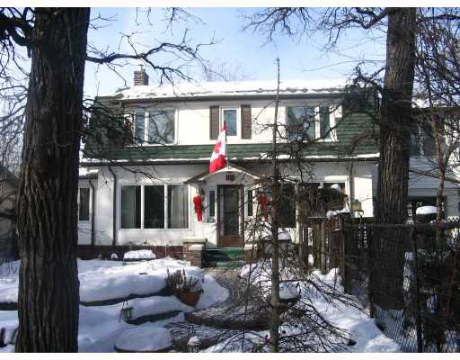 Main Photo: 99 KENASTON Boulevard in WINNIPEG: River Heights / Tuxedo / Linden Woods Residential for sale (South Winnipeg)  : MLS®# 2801078