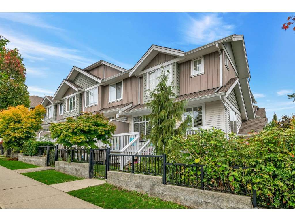 "Main Photo: 31 19480 66 Avenue in Surrey: Clayton Townhouse for sale in ""TWO BLUE 11"" (Cloverdale)  : MLS®# R2409229"