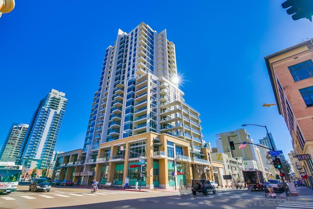 Main Photo: DOWNTOWN Condo for rent : 0 bedrooms : 575 6th #309 in San Diego