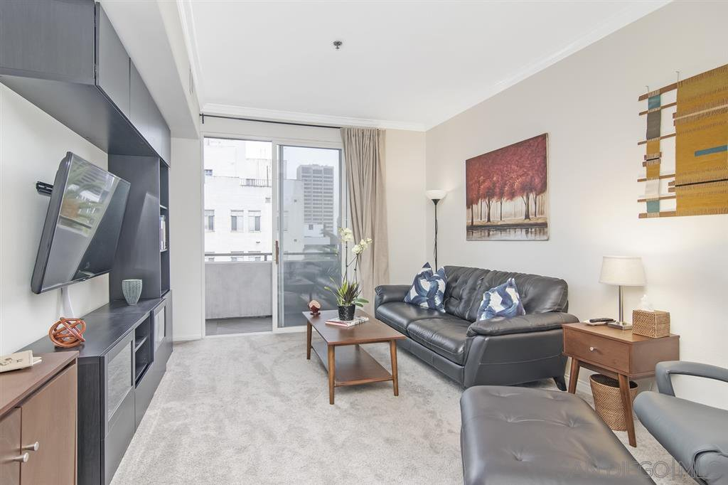 Main Photo: DOWNTOWN Condo for sale : 1 bedrooms : 1643 6th Ave #401 in San Diego