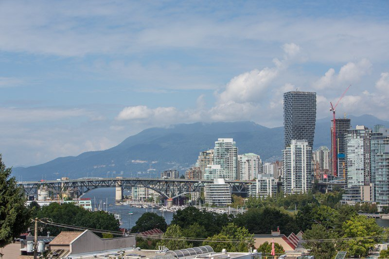 "Main Photo: 208 943 W 8TH Avenue in Vancouver: Fairview VW Condo for sale in ""Southport"" (Vancouver West)  : MLS®# R2487297"