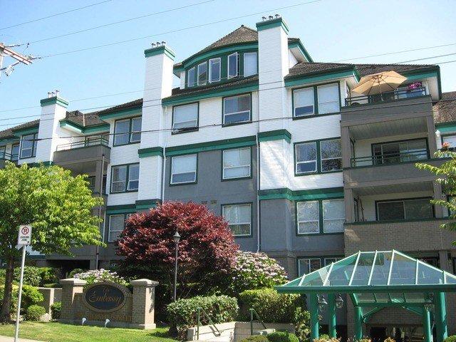 Main Photo: 204 1576 MERKLIN Street in White Rock: Home for sale : MLS®# F1432171