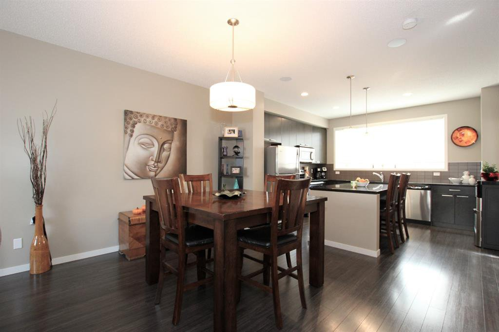 Photo 10: Photos: 32 COPPERPOND Close SE in Calgary: Copperfield Row/Townhouse for sale : MLS®# A1043310