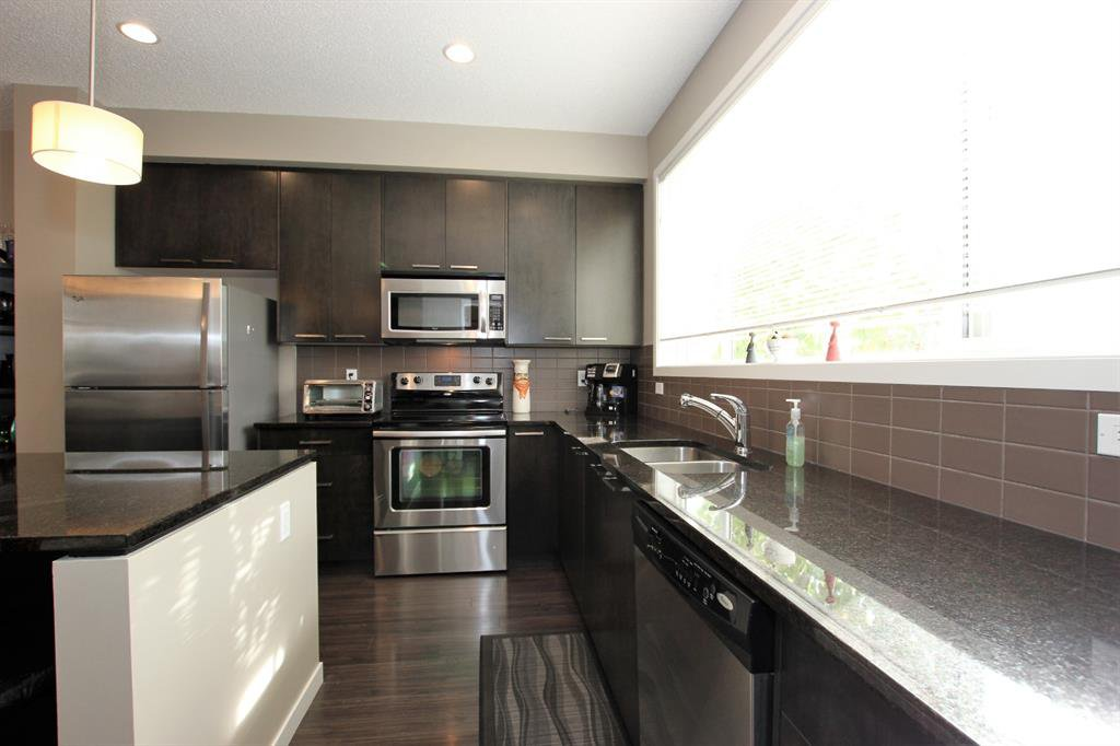 Photo 15: Photos: 32 COPPERPOND Close SE in Calgary: Copperfield Row/Townhouse for sale : MLS®# A1043310