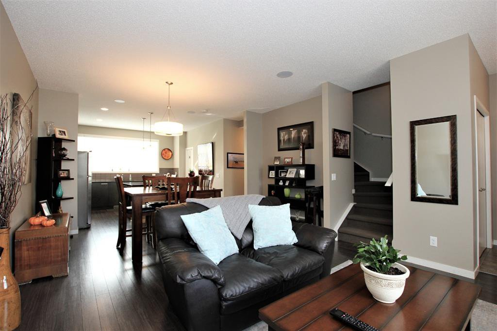Photo 9: Photos: 32 COPPERPOND Close SE in Calgary: Copperfield Row/Townhouse for sale : MLS®# A1043310