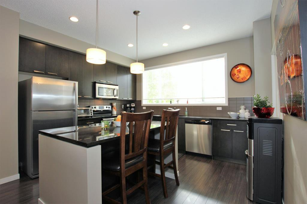 Photo 12: Photos: 32 COPPERPOND Close SE in Calgary: Copperfield Row/Townhouse for sale : MLS®# A1043310