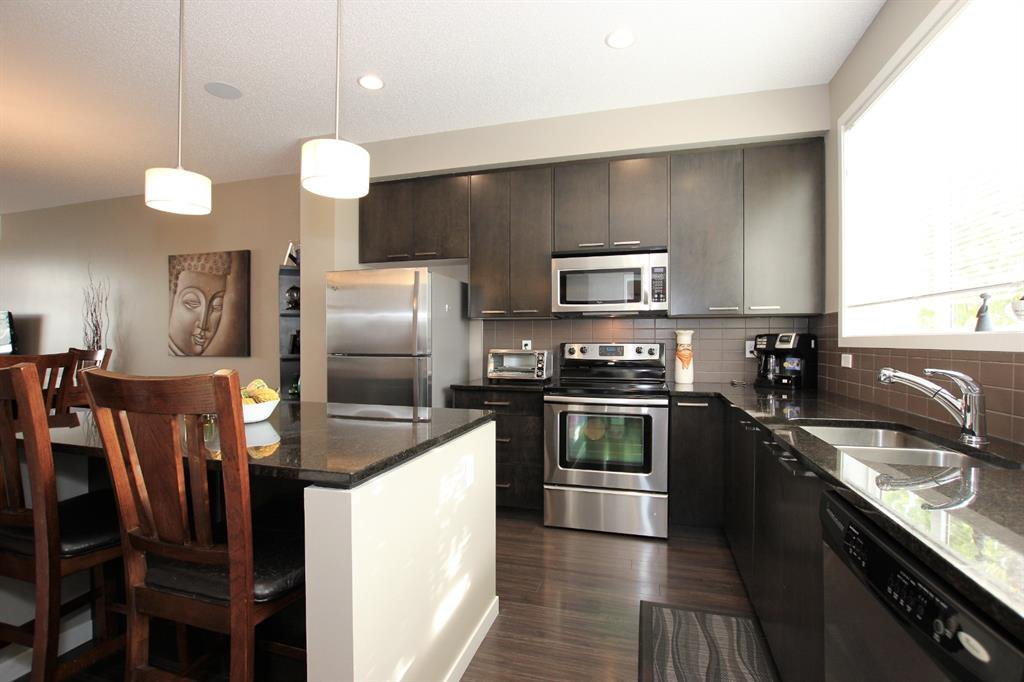 Photo 14: Photos: 32 COPPERPOND Close SE in Calgary: Copperfield Row/Townhouse for sale : MLS®# A1043310