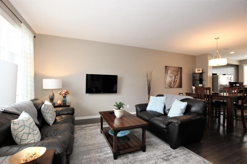 Photo 6: Photos: 32 COPPERPOND Close SE in Calgary: Copperfield Row/Townhouse for sale : MLS®# A1043310