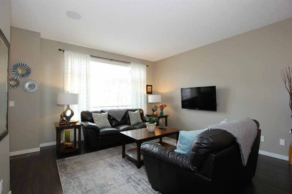 Photo 7: Photos: 32 COPPERPOND Close SE in Calgary: Copperfield Row/Townhouse for sale : MLS®# A1043310