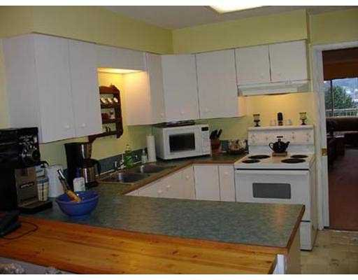 Photo 4: Photos: 2415 ST GEORGE ST in Port Moody: Port Moody Centre House 1/2 Duplex for sale : MLS®# V573182