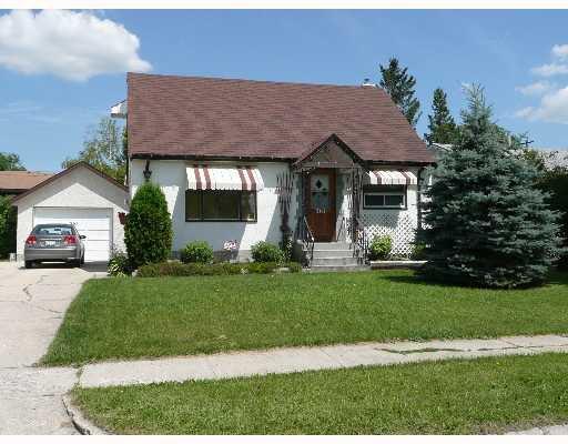 Main Photo: 361 KINGSFORD Avenue in WINNIPEG: North Kildonan Single Family Detached for sale (North East Winnipeg)  : MLS®# 2712412