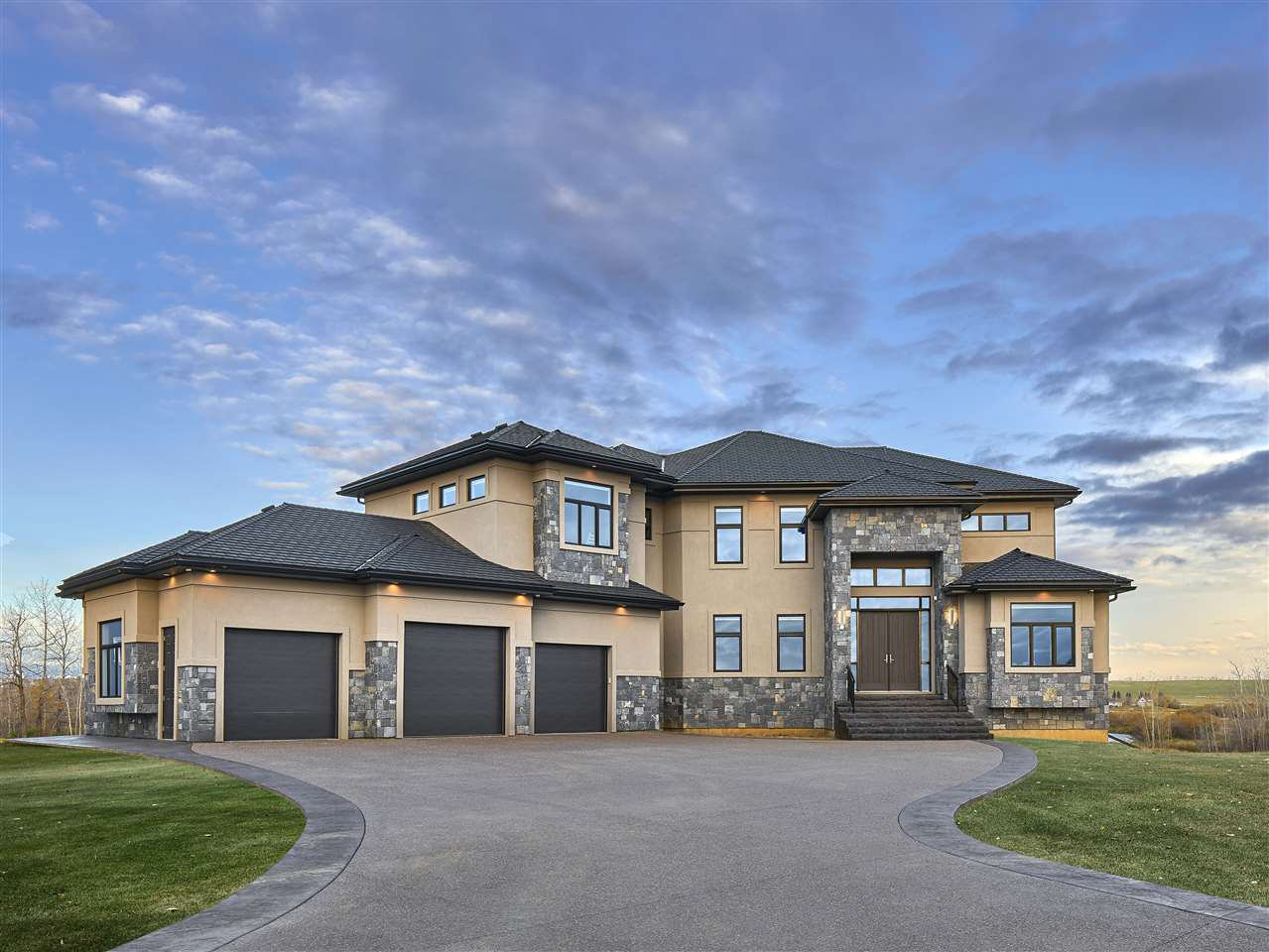 Main Photo: 207 Riverview Way: Rural Sturgeon County House for sale : MLS®# E4198886