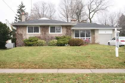 Main Photo: 7 Galsworthy Drive in MARKHAM: House (Bungalow) for sale : MLS®# N1086851