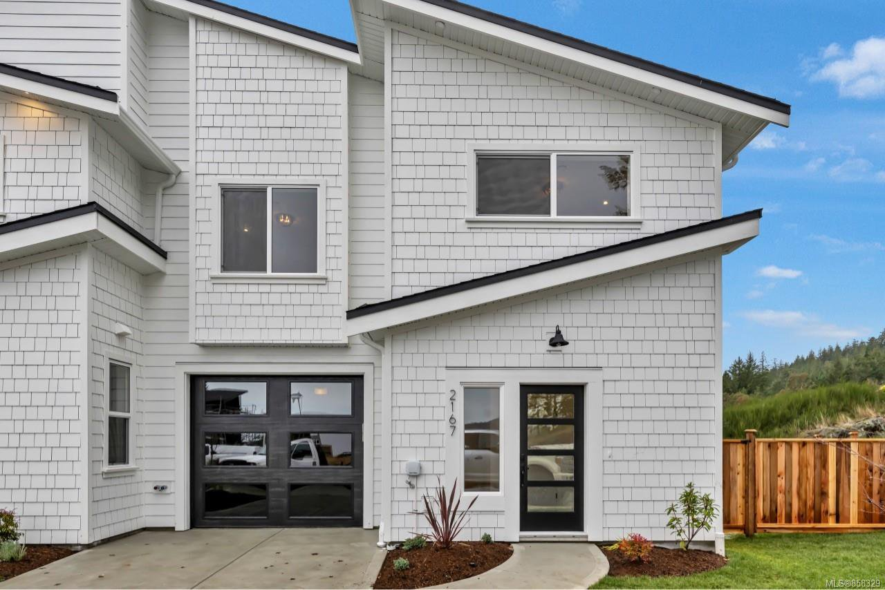 Main Photo: 2167 Mountain Heights Dr in : Sk Broomhill Half Duplex for sale (Sooke)  : MLS®# 858329