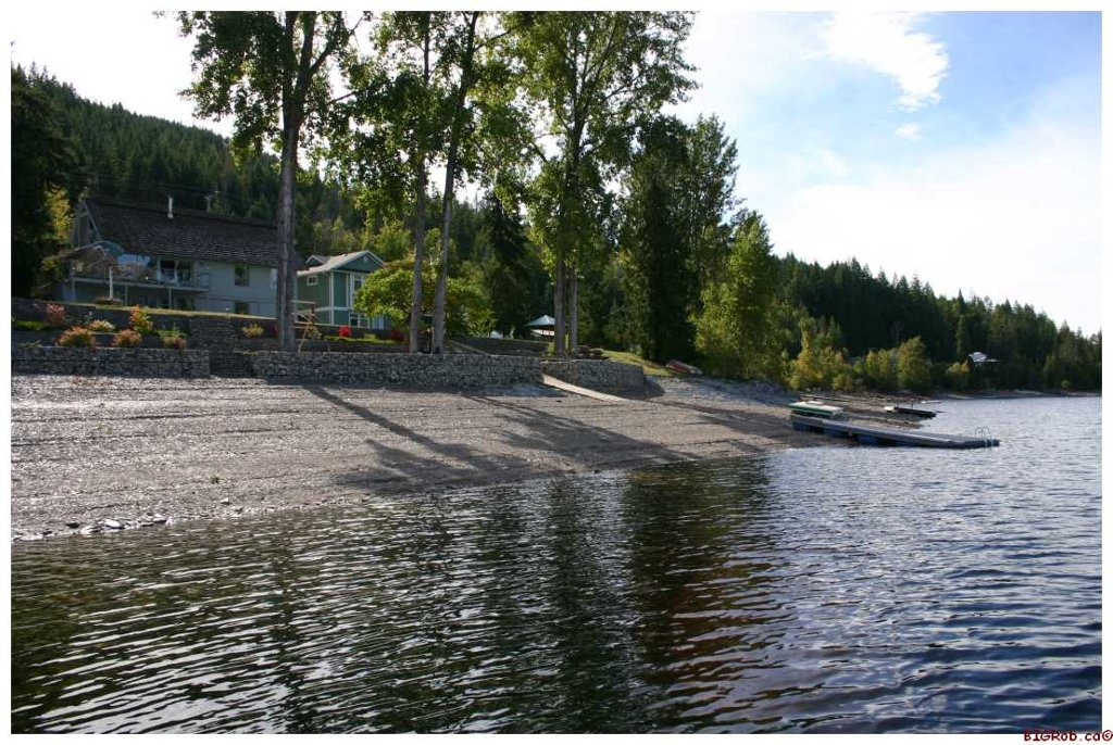 Main Photo: 3517 Eagle Bay Road in Eagle Bay: Waterfront Residential Detached for sale : MLS®# 10043461