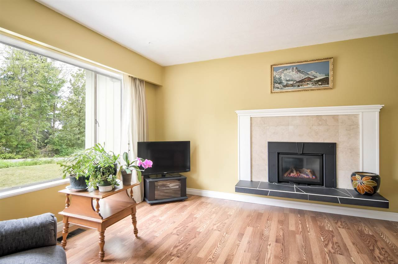 Photo 7: Photos: 25813 96 Avenue in Maple Ridge: Thornhill MR House for sale : MLS®# R2397943