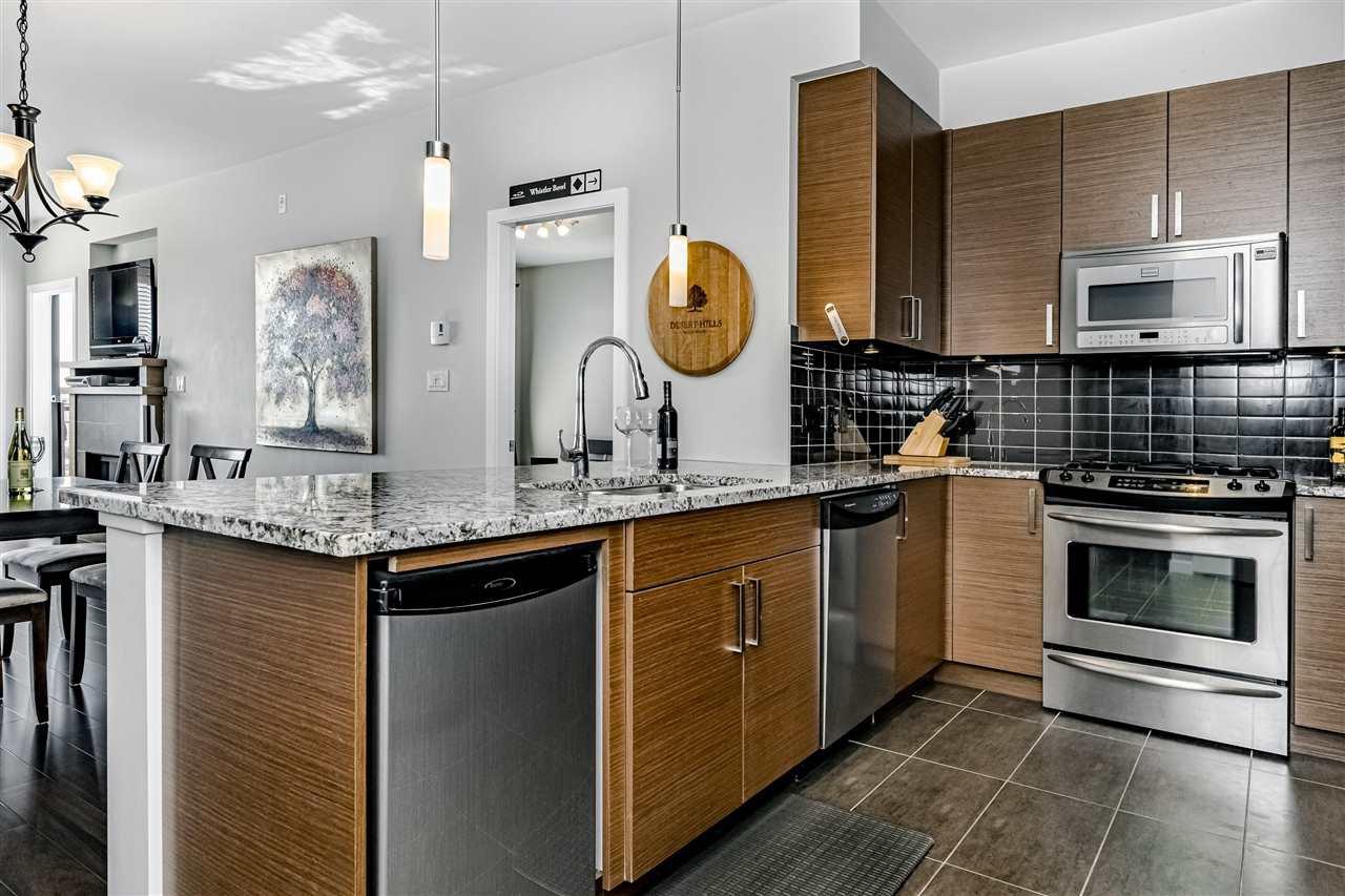 "Photo 2: Photos: 308 288 HAMPTON Street in New Westminster: Queensborough Condo for sale in ""VIA"" : MLS®# R2447890"