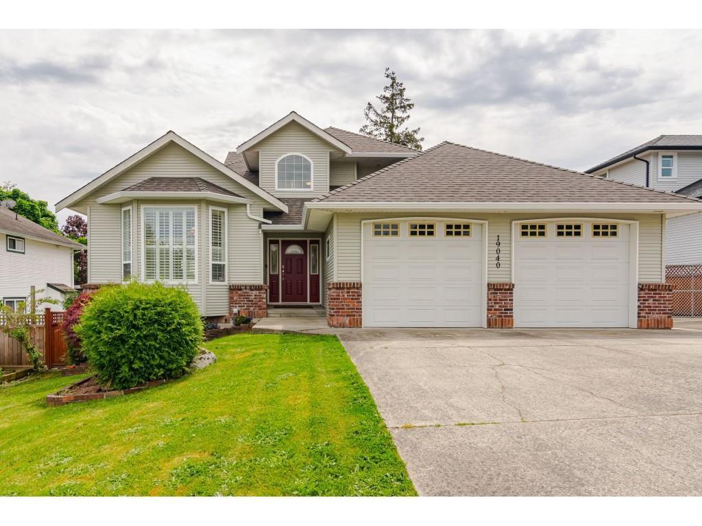 "Main Photo: 19040 60 Avenue in Surrey: Cloverdale BC House for sale in ""Cloverdale"" (Cloverdale)  : MLS®# R2455554"