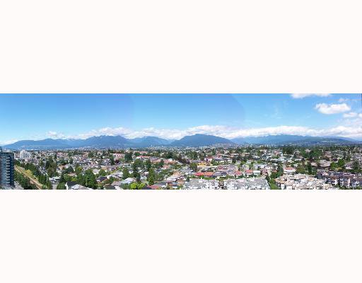 """Main Photo: 2208 5380 OBEN Street in Vancouver: Collingwood VE Condo for sale in """"URBA"""" (Vancouver East)  : MLS®# V663467"""