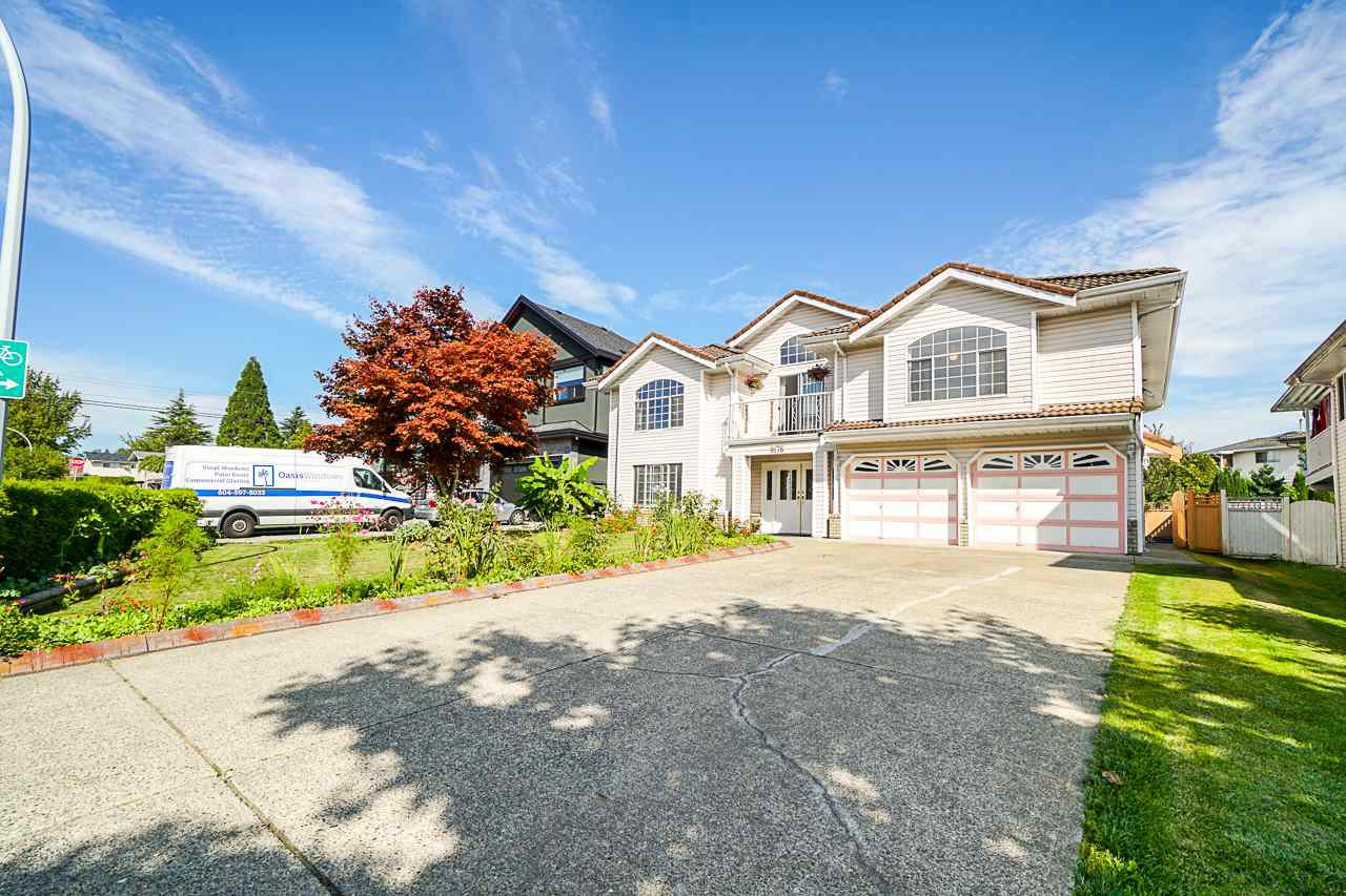 Main Photo: 9176 138 Street in Surrey: Bear Creek Green Timbers House for sale : MLS®# R2402252