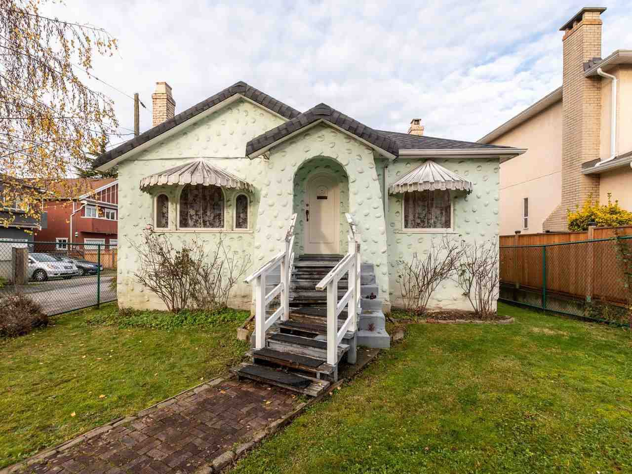 Main Photo: 215 E 36TH Avenue in Vancouver: Main House for sale (Vancouver East)  : MLS®# R2422049