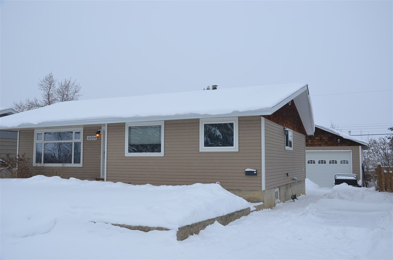 Photo 1: Photos: 10304 111 Avenue in Fort St. John: Fort St. John - City NW House for sale (Fort St. John (Zone 60))  : MLS®# R2427572