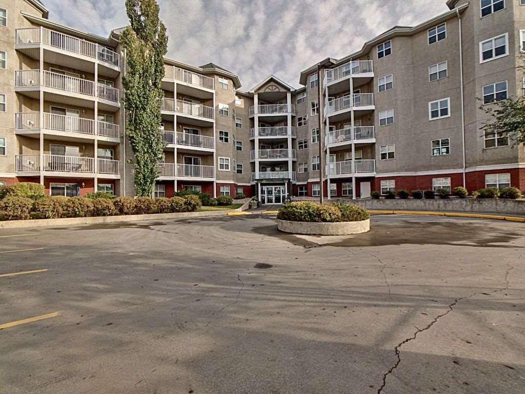 Main Photo:  in Edmonton: Zone 18 Condo for sale : MLS®# E4191041