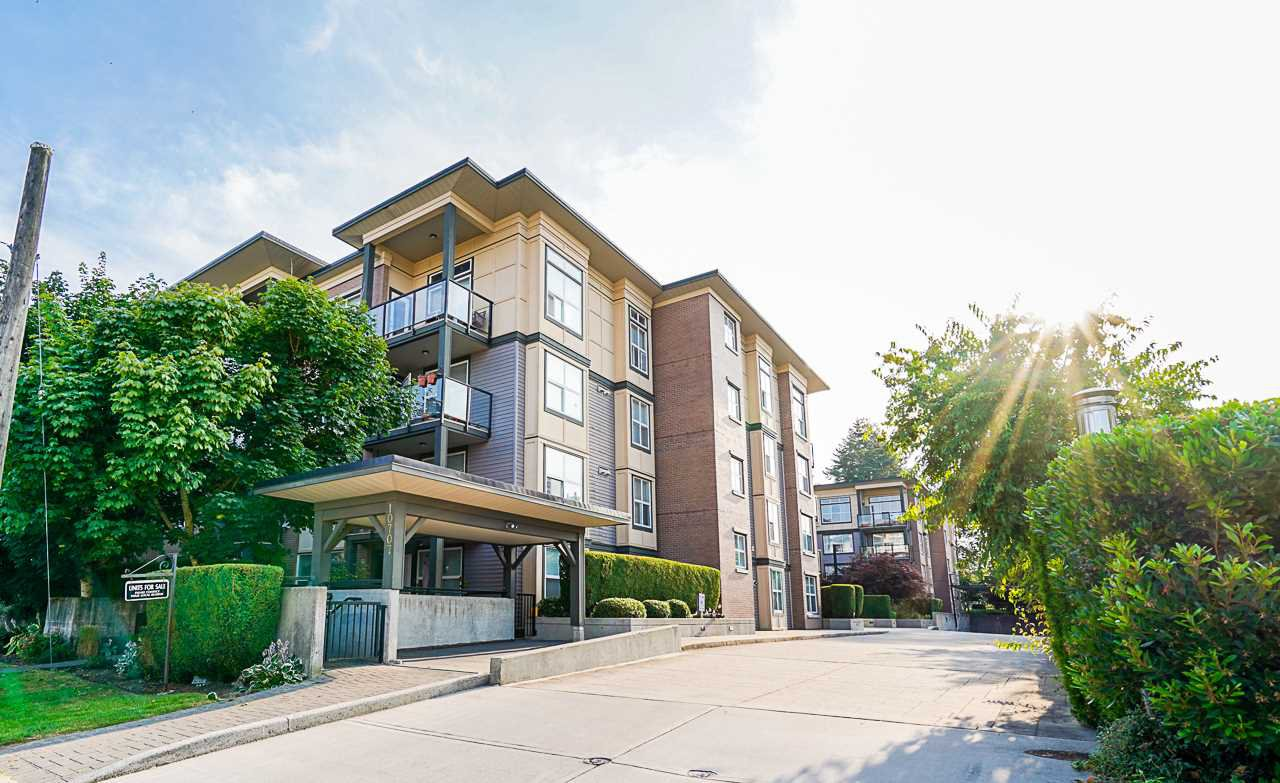 "Main Photo: 424 10707 139 Street in Surrey: Whalley Condo for sale in ""Aura 11"" (North Surrey)  : MLS®# R2479354"
