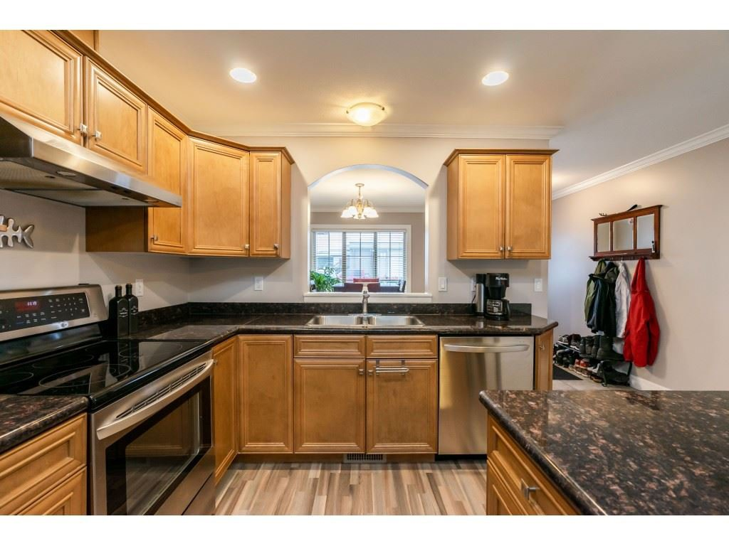 """Photo 6: Photos: 2 6450 BLACKWOOD Lane in Sardis: Sardis West Vedder Rd Townhouse for sale in """"The Maples"""" : MLS®# R2431789"""