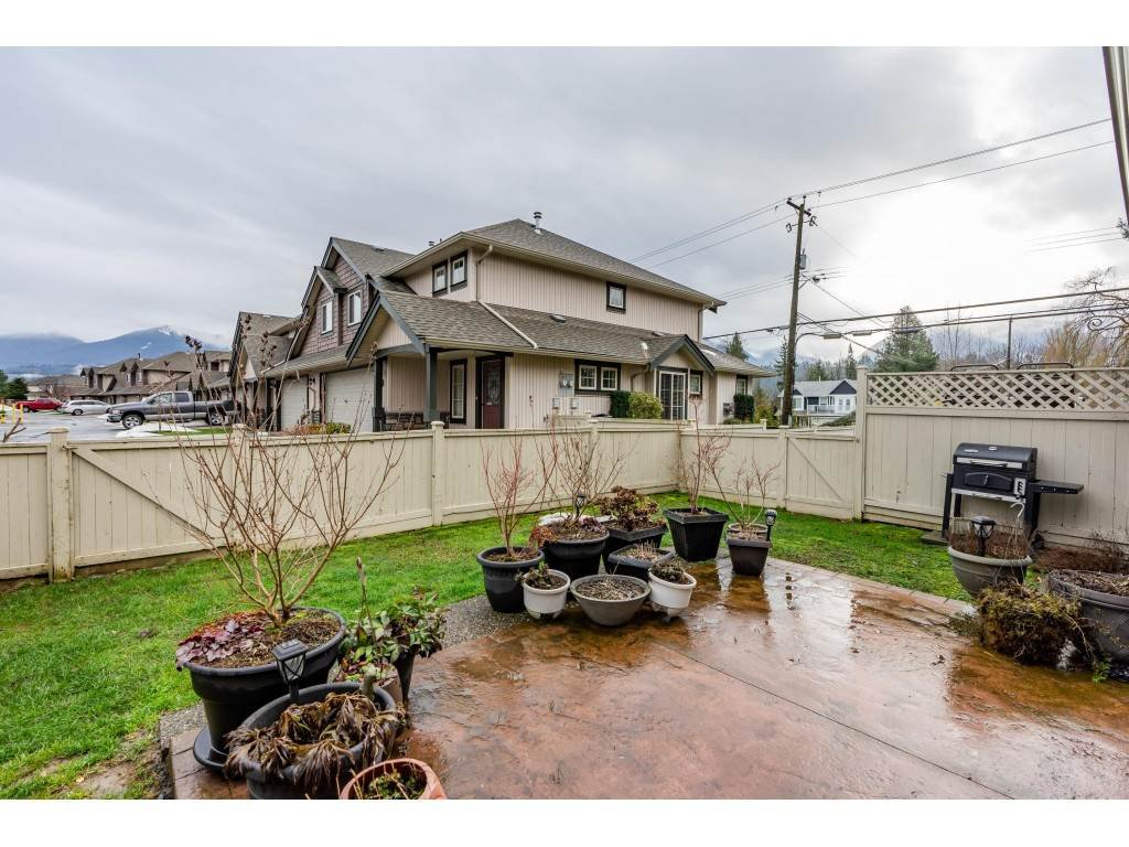"""Photo 18: Photos: 2 6450 BLACKWOOD Lane in Sardis: Sardis West Vedder Rd Townhouse for sale in """"The Maples"""" : MLS®# R2431789"""
