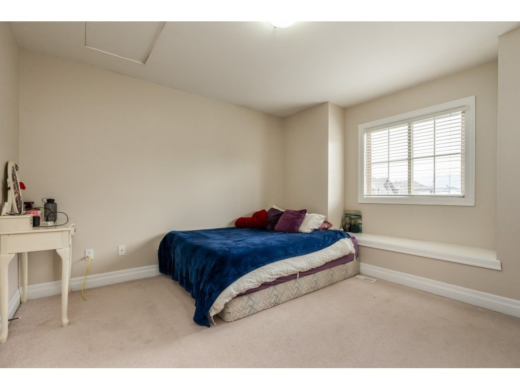"""Photo 12: Photos: 2 6450 BLACKWOOD Lane in Sardis: Sardis West Vedder Rd Townhouse for sale in """"The Maples"""" : MLS®# R2431789"""