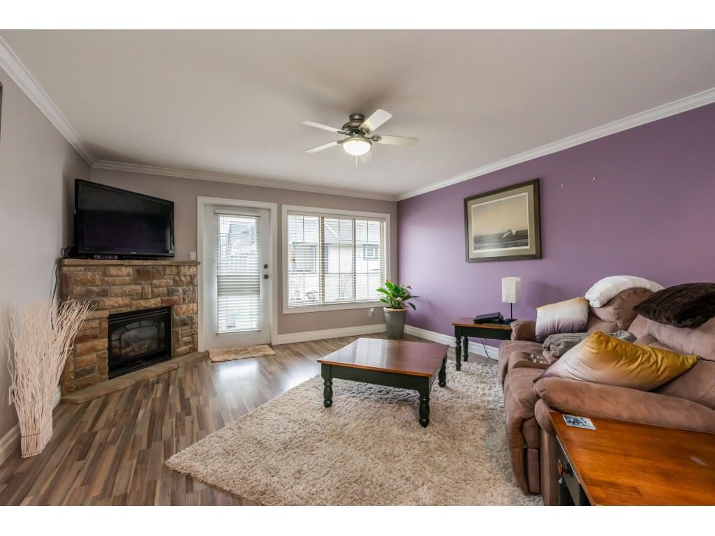 """Photo 7: Photos: 2 6450 BLACKWOOD Lane in Sardis: Sardis West Vedder Rd Townhouse for sale in """"The Maples"""" : MLS®# R2431789"""