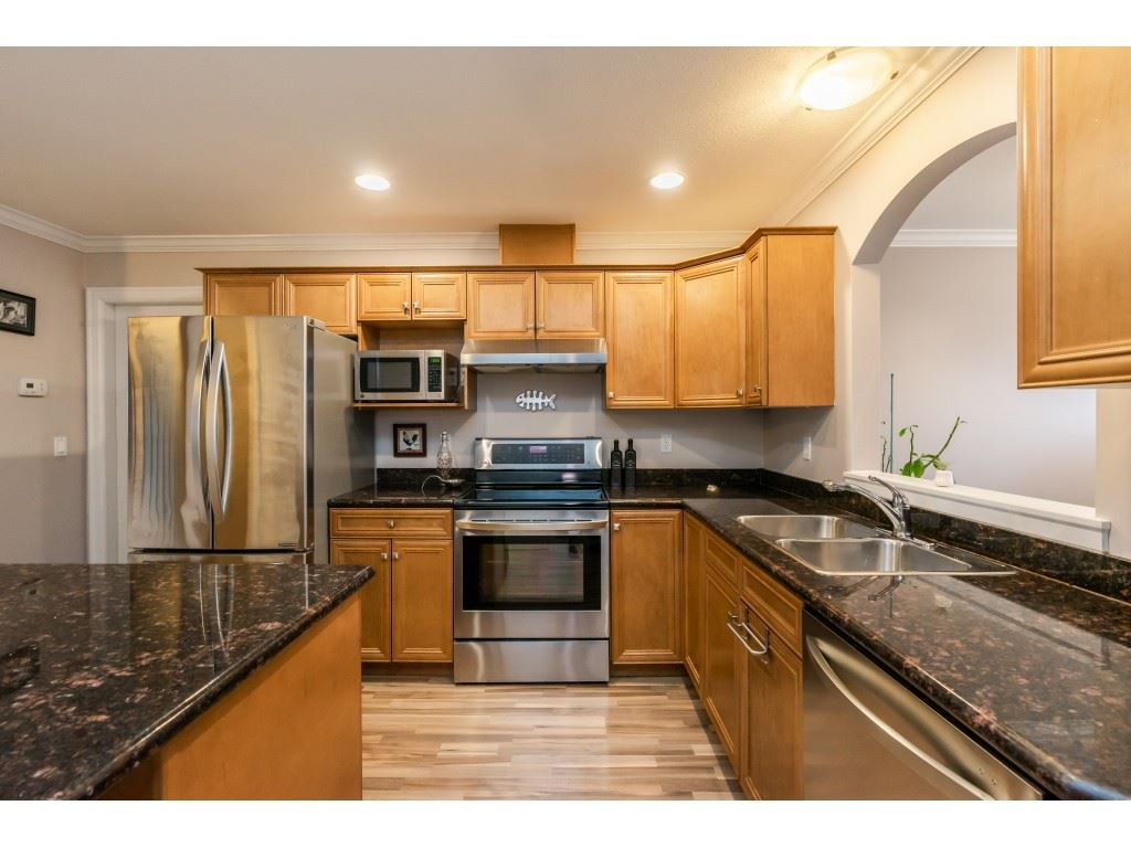 """Photo 5: Photos: 2 6450 BLACKWOOD Lane in Sardis: Sardis West Vedder Rd Townhouse for sale in """"The Maples"""" : MLS®# R2431789"""