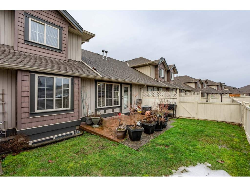 """Photo 19: Photos: 2 6450 BLACKWOOD Lane in Sardis: Sardis West Vedder Rd Townhouse for sale in """"The Maples"""" : MLS®# R2431789"""
