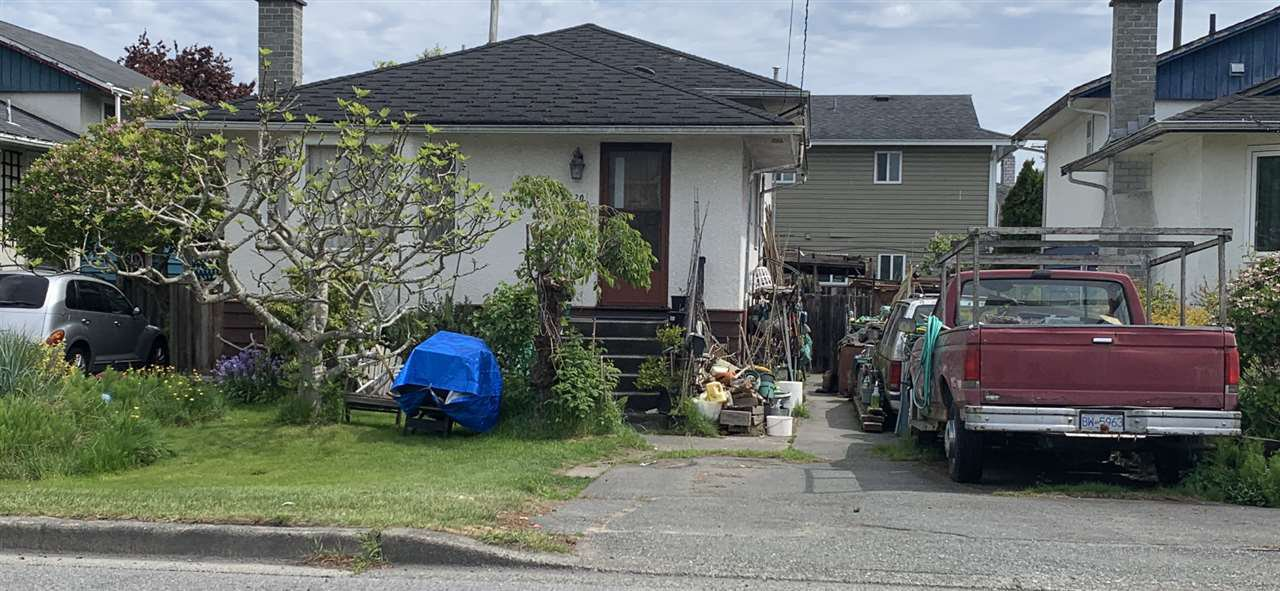 Main Photo: 11120 7TH Avenue in Richmond: Steveston Village House for sale : MLS®# R2455775