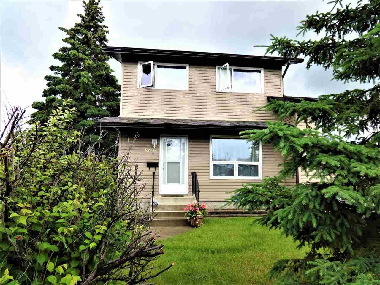 Main Photo: 9607 81 Street: Fort Saskatchewan House Half Duplex for sale : MLS®# E4203829