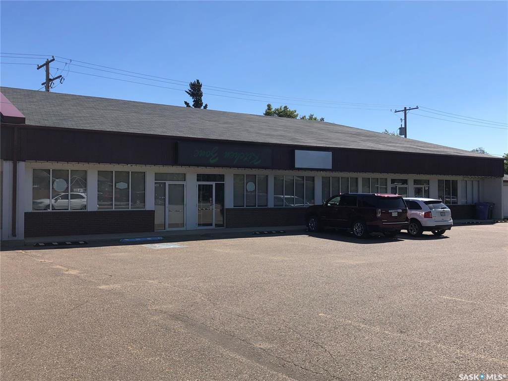Main Photo: 2 & 3 1462 100th Street in North Battleford: Commercial for lease : MLS®# SK824396