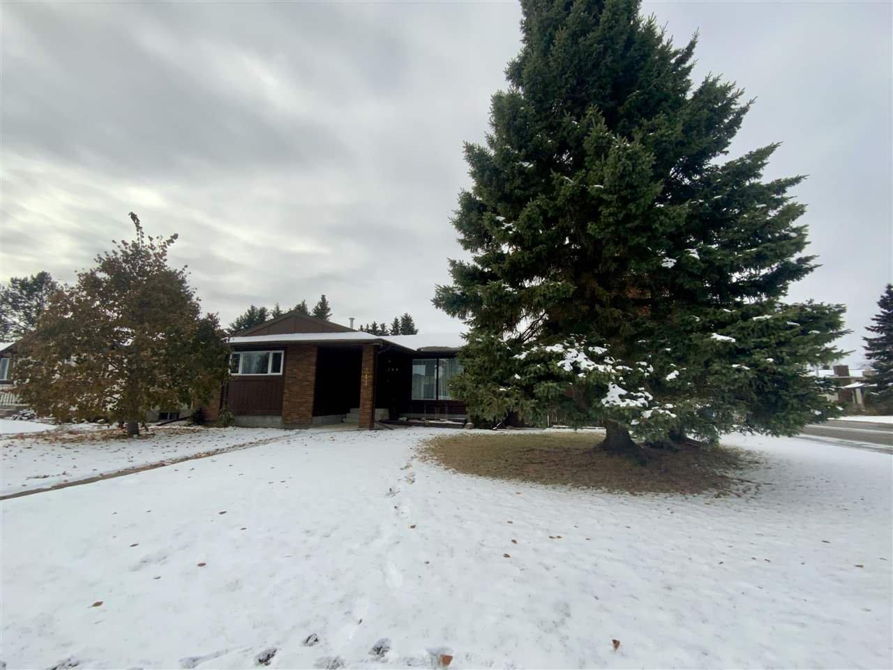Main Photo: 244 Garnet Crescent: Wetaskiwin House for sale : MLS®# E4212807