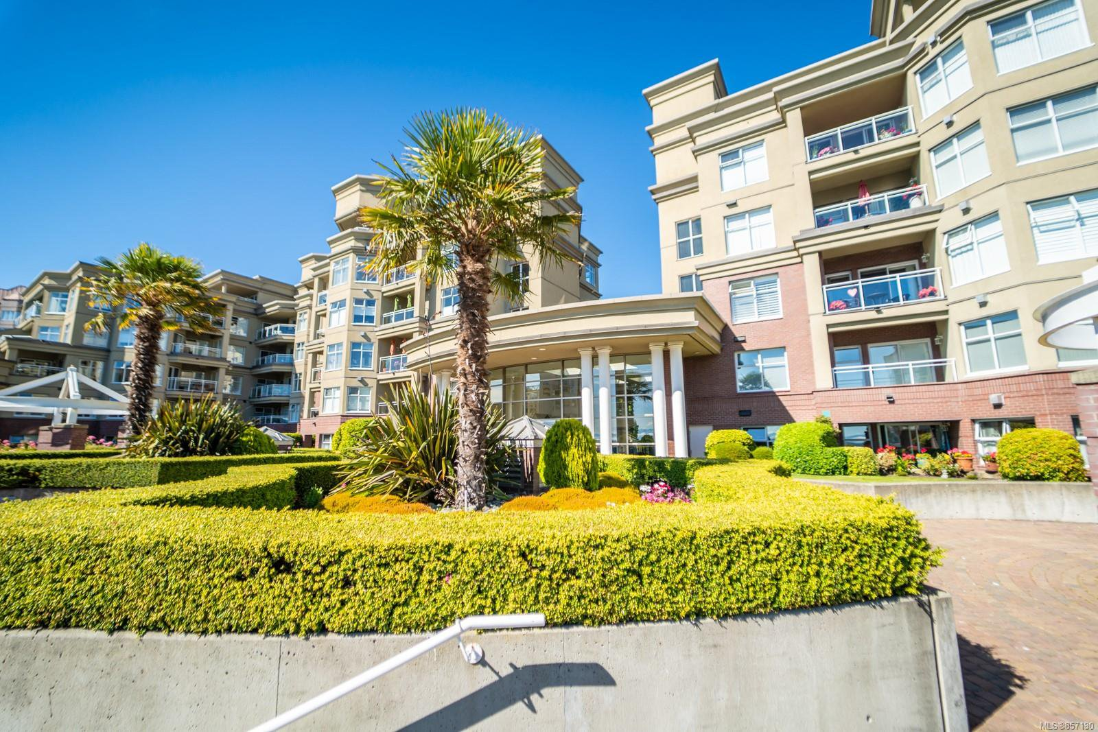 Main Photo: 210 165 Kimta Rd in : VW Songhees Condo for sale (Victoria West)  : MLS®# 857190