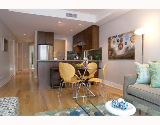 """Main Photo: 307 1477 W 15TH Avenue in Vancouver: Fairview VW Condo for sale in """"SHAUGHNESSY MANSIONS"""" (Vancouver West)  : MLS®# V648285"""