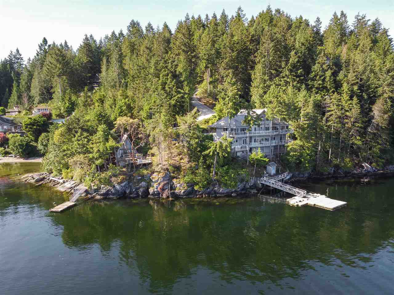 Main Photo: 6129 - 6133 CORACLE Drive in Sechelt: Sechelt District House for sale (Sunshine Coast)  : MLS®# R2456489