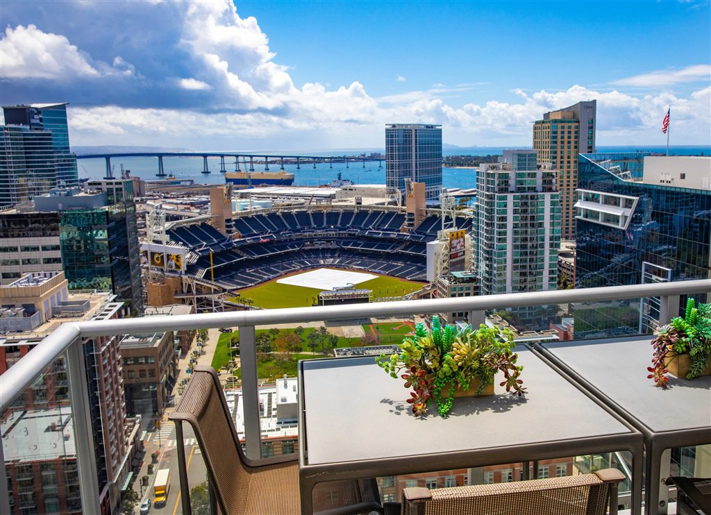 Main Photo: DOWNTOWN Condo for rent : 2 bedrooms : 800 The Mark Ln #2704 in San Diego