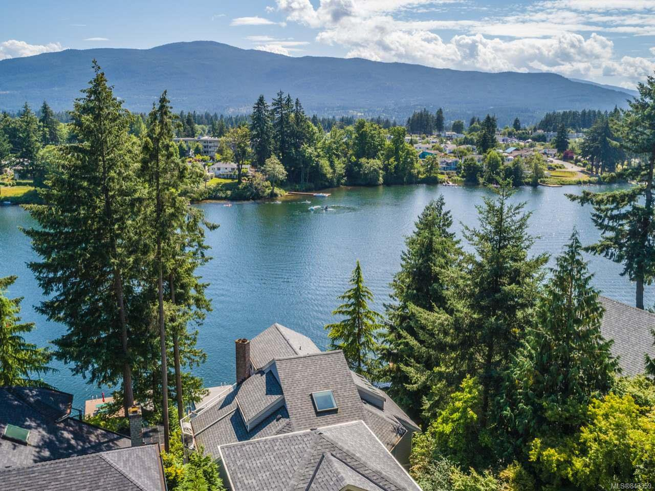 Main Photo: 330 Fawn Pl in NANAIMO: Na Uplands House for sale (Nanaimo)  : MLS®# 843359