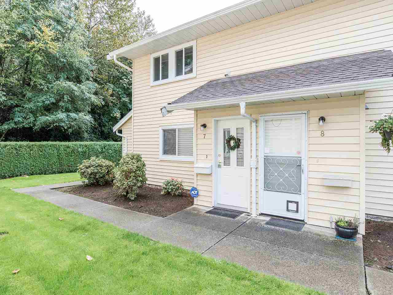 """Main Photo: 7 32286 7 Avenue in Mission: Mission BC Townhouse for sale in """"Luther Place"""" : MLS®# R2508452"""