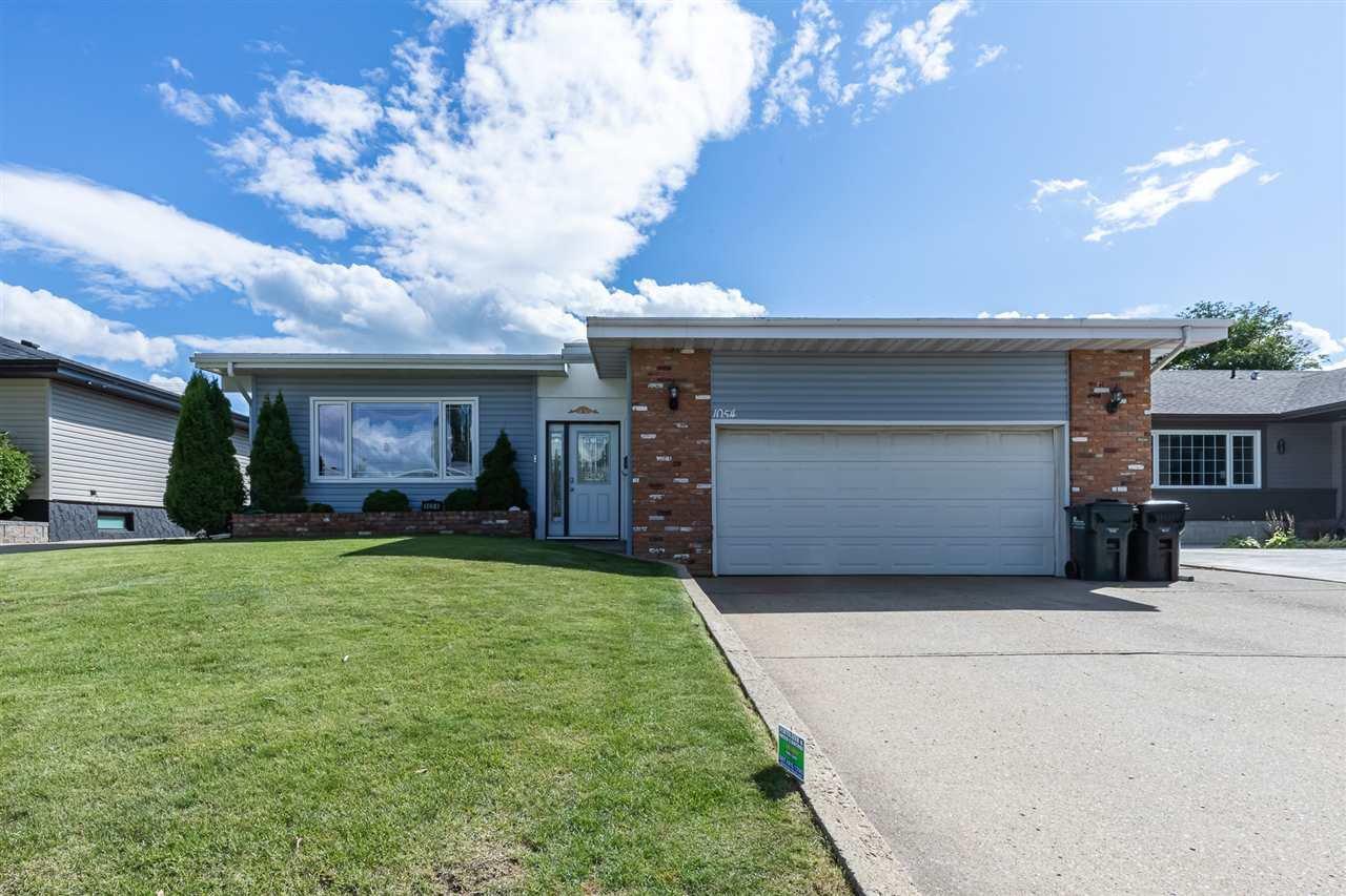 Main Photo: 1054 MOYER Drive: Sherwood Park House for sale : MLS®# E4218204