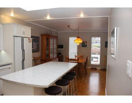 Photo 5: Photos: 3058 West 12th Avenue in Vancouver: Multifamily for sale (kits)  : MLS®# V921038