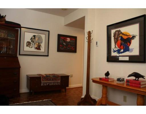 Photo 8: Photos: 3058 West 12th Avenue in Vancouver: Multifamily for sale (kits)  : MLS®# V921038